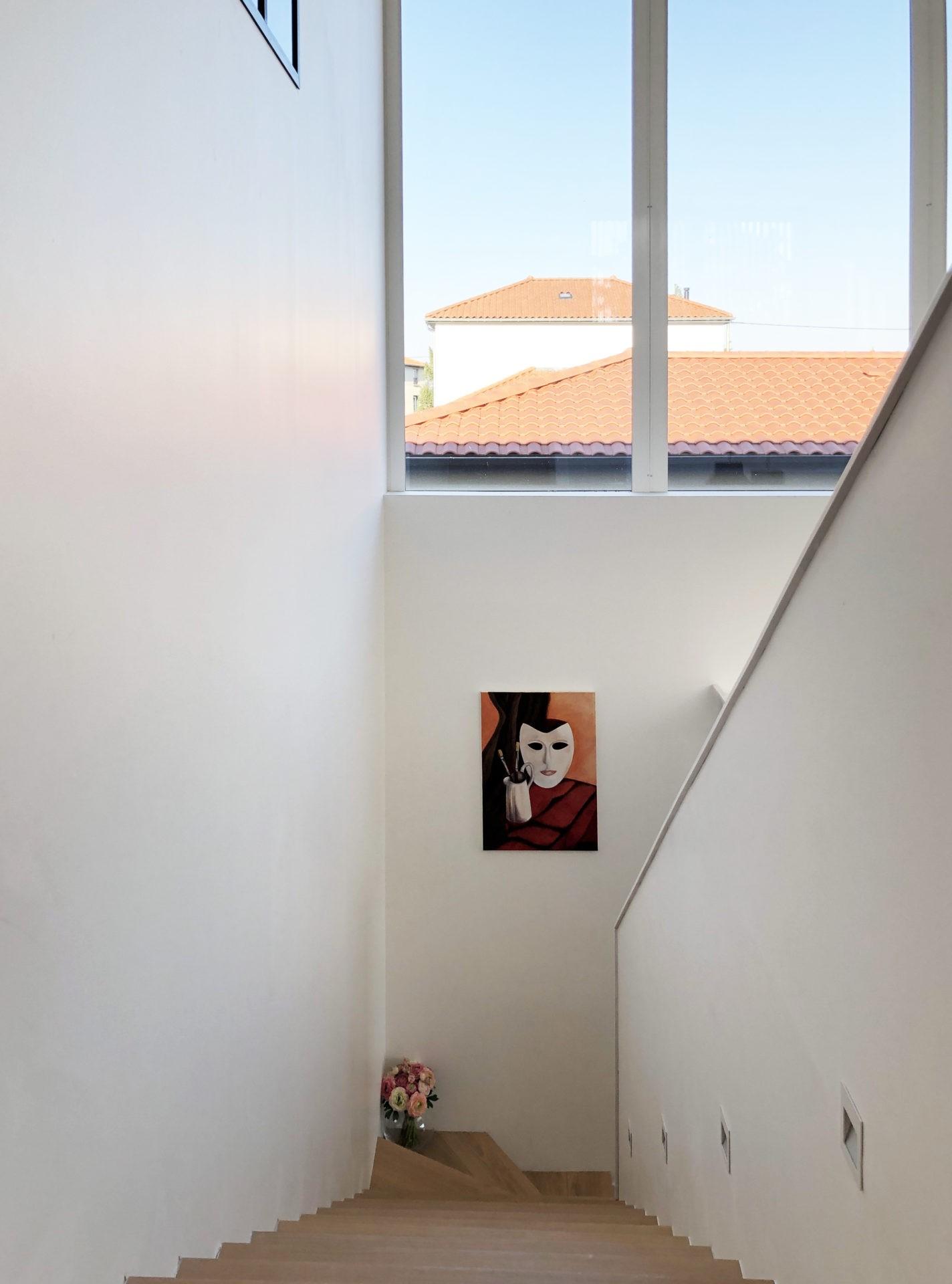 asb-architecture-maison-contemporaine-toiture-terrasse-escalier contemporain verrière