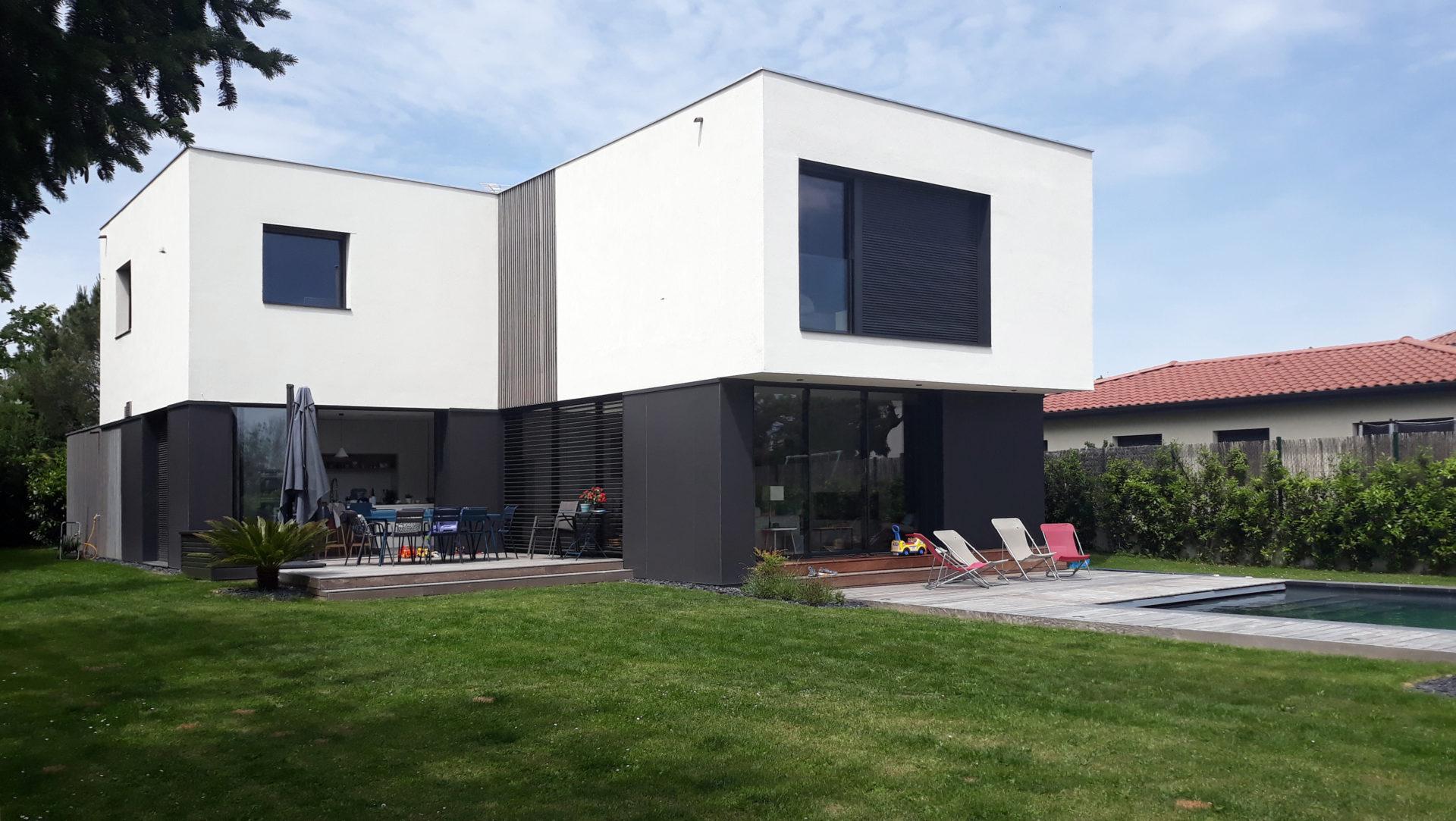asb-architecture-maison-contemporaine-toiture-terrasse-minimaliste 2