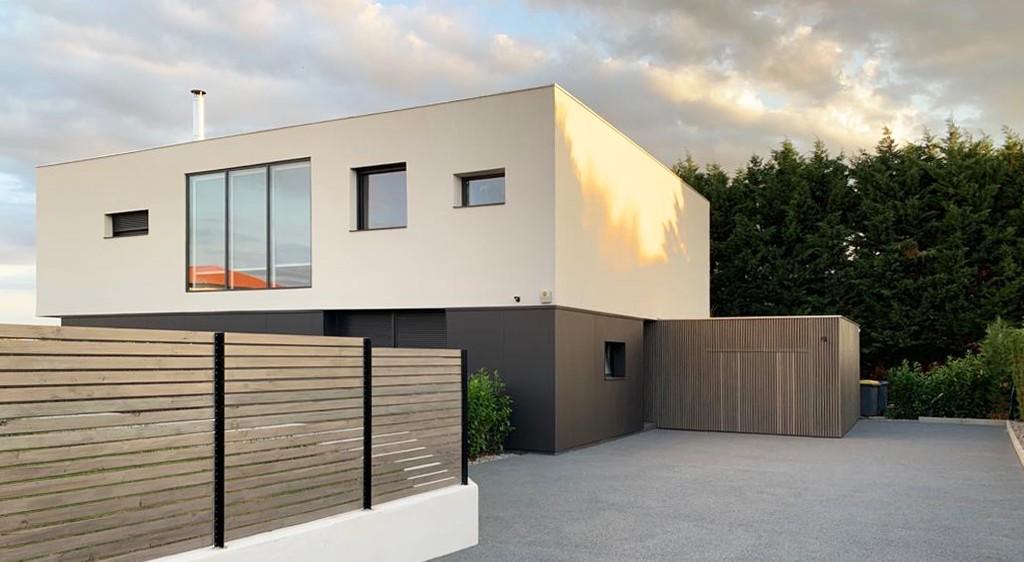 asb-architecture-maison-contemporaine-toiture-terrasse-minimaliste